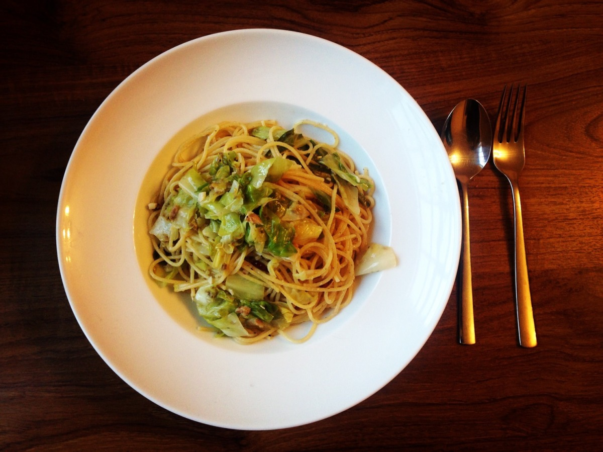 Spaghetti with Sardine and Spring cabbage